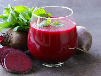 beet apple blackberry detox juice